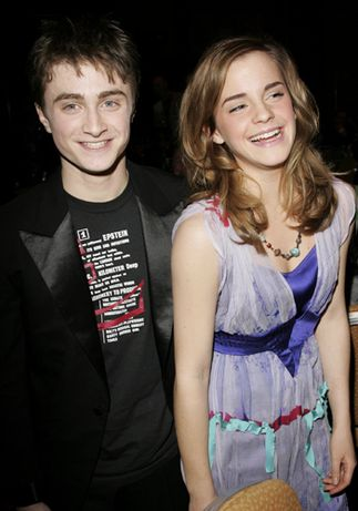 Emma Watson And Daniel Radcliffe Holding Hands Dan and Emma made it to the