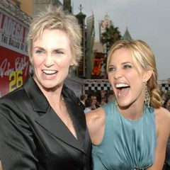 Jane Lynch and Leslie Bibb