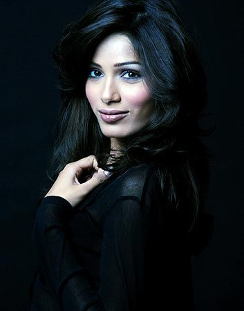 picture of freida pinto