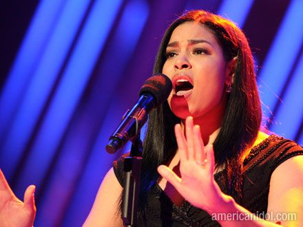 Jordin Sparks singing on American Idol.