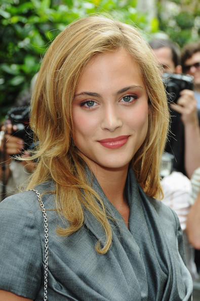 Nora Arnezeder - Beautiful HD Wallpapers