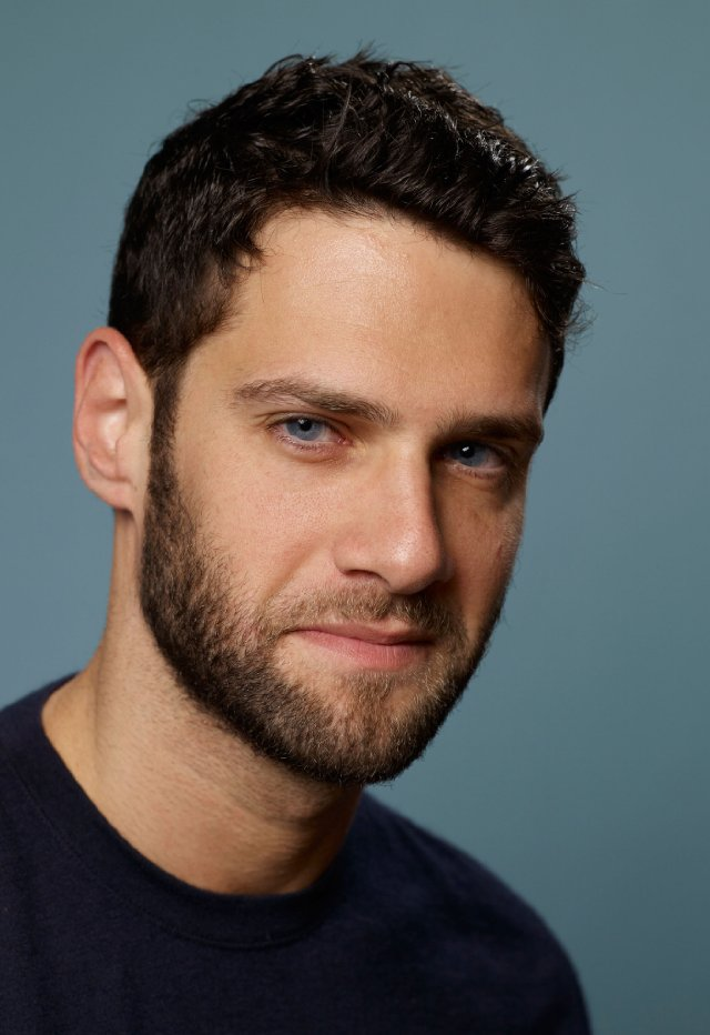 Justin Bartha Wallpapers