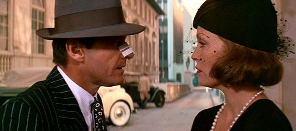 Jack Nicholson as Jake Gittes confronts Faye Dunaway as Evelyn Mulwray in Roman Polanski's noir classic Chinatown (1974)