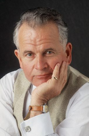 Ian Holm
