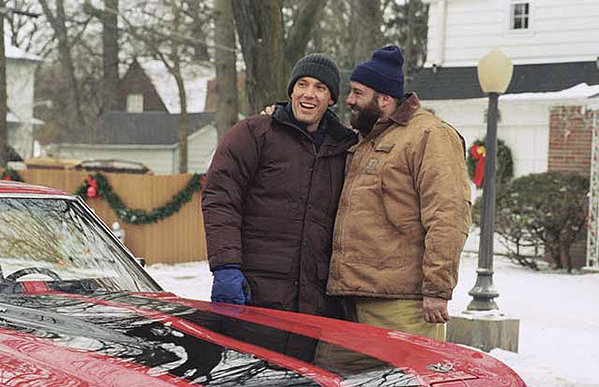surviving christmas pictures rotten tomatoes